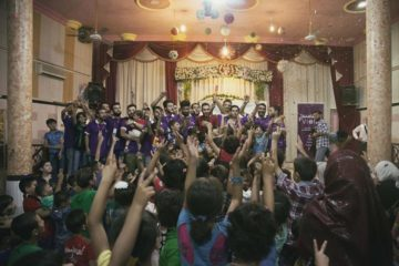 مئات الأطفال في أجمل احتفاليات العيد مع فريق المتطوعين