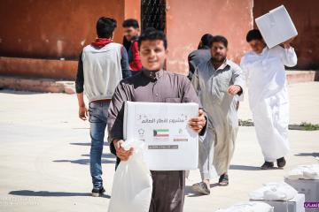 (العربية) 1000 عائلة يتم الاستجابة لها بشكل يومي خلال رمضان من أهلنا النازحين حديثاً