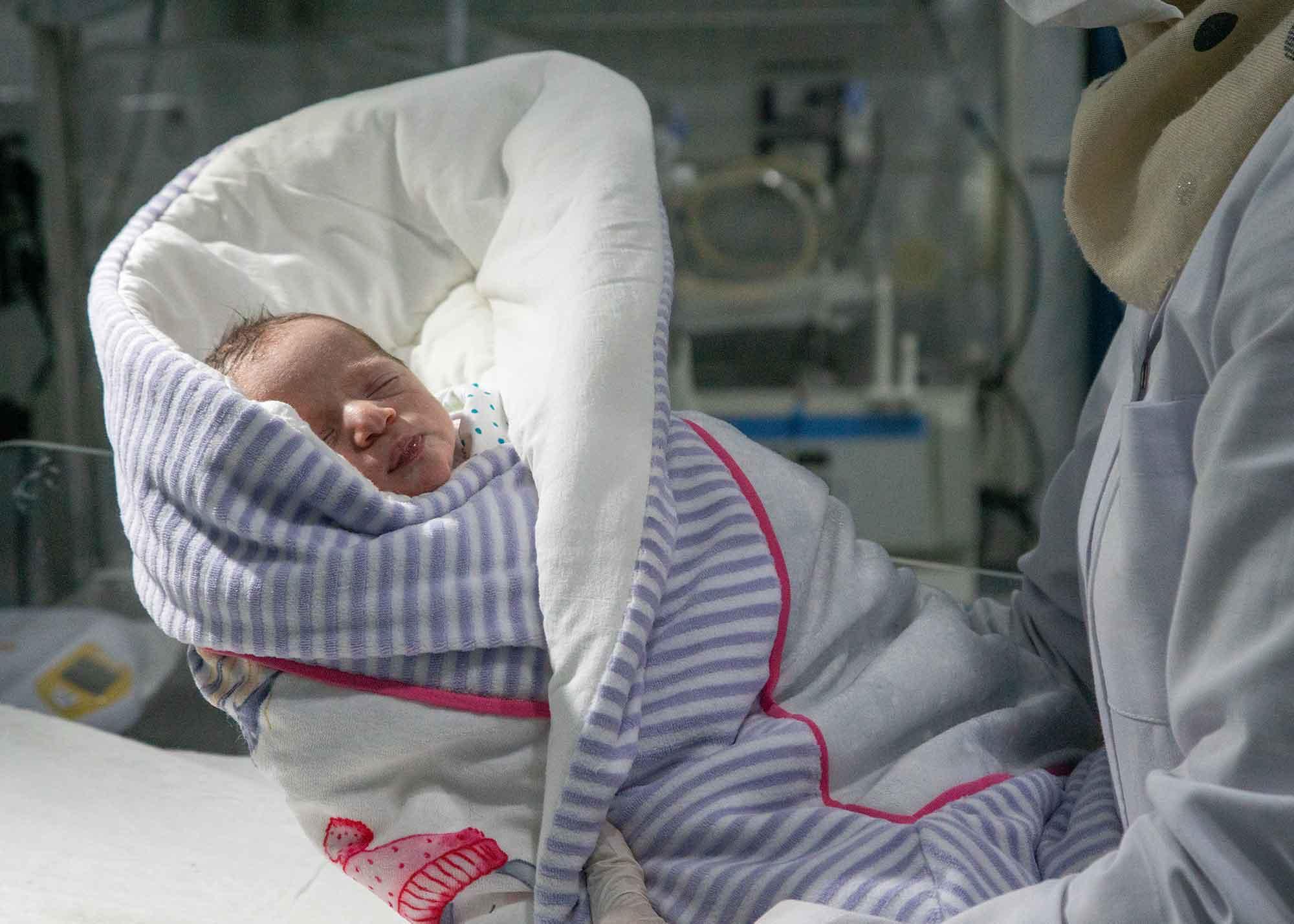 عملٌ دؤوب .. أرقام وإحصائيات حول عمل مشفى الأمومة